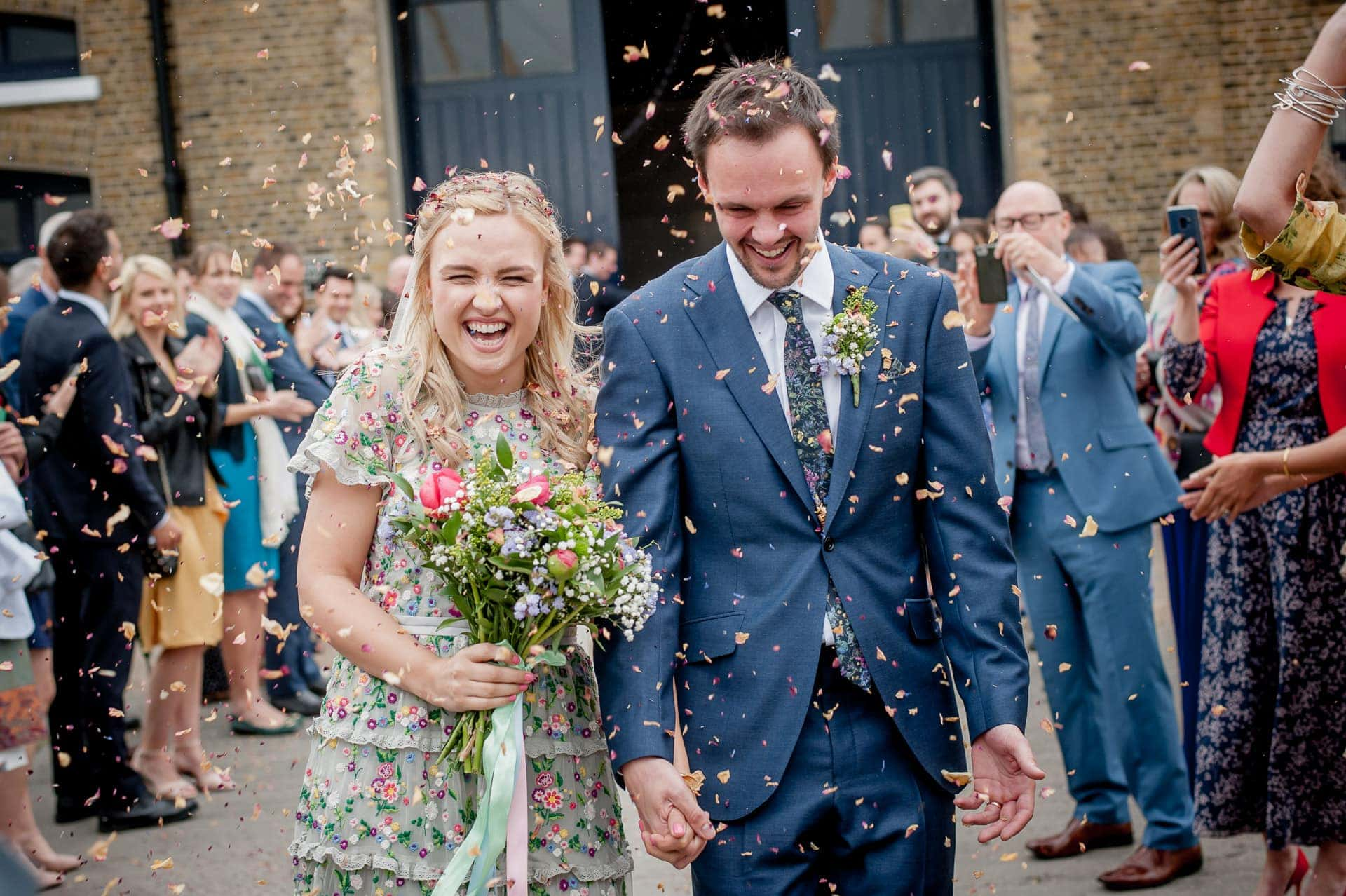 What Confetti Looks Best in Photos…the Secrets of an Epic Confetti Shot